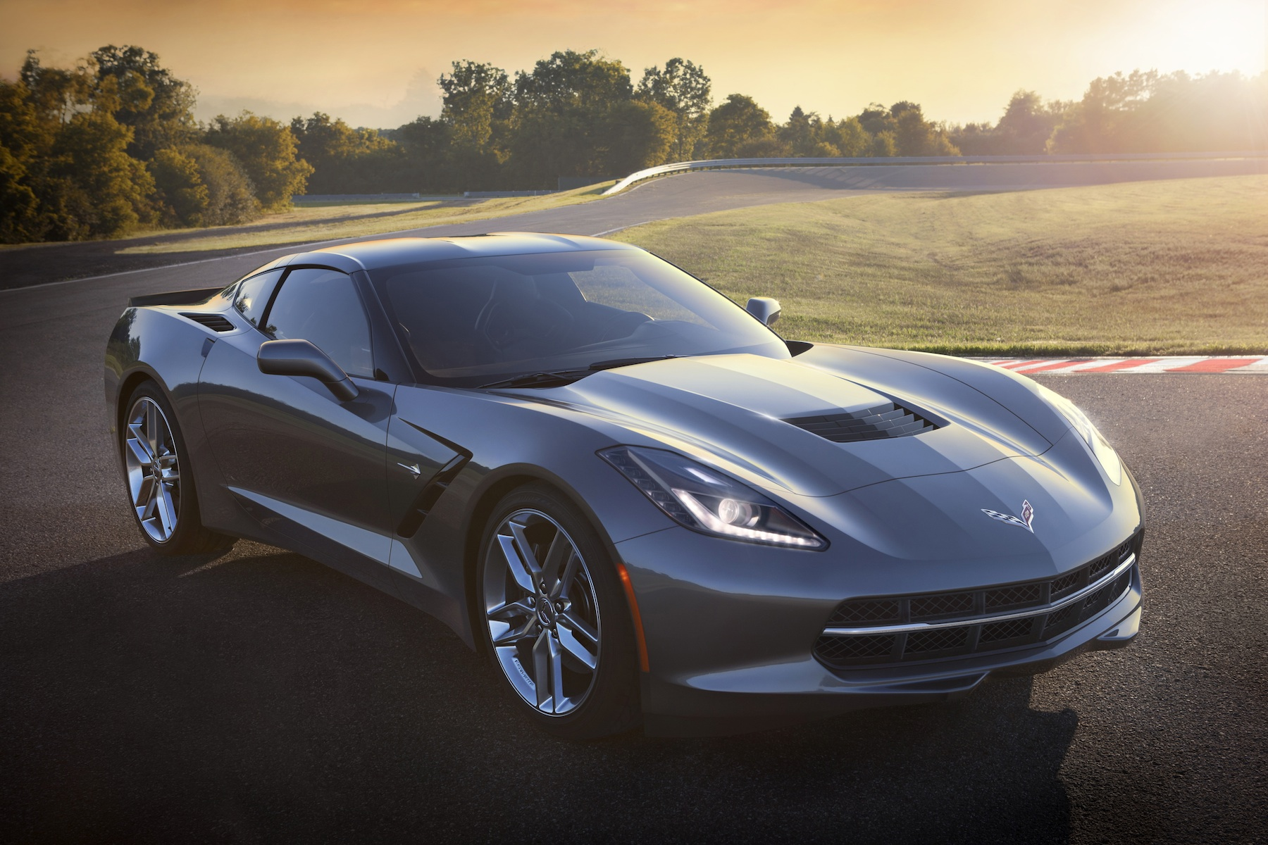 Chevrolet Corvette C7 Stingray - Return of a legend